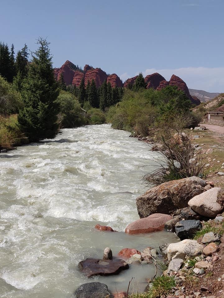 I sette tori, caratteristica formazione di rocce a Jety Oguz vicino Karakol