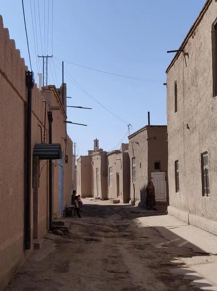 Per le strade di Khiva in Uzbekistan