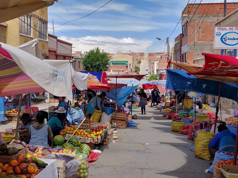 la via antistante il mercato di villazon