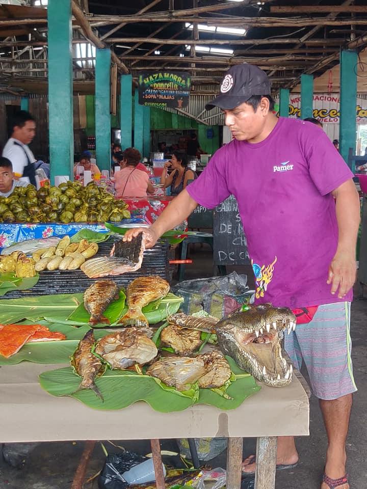 Fauci di coccodrillo al mercato di Bellavista a Iquitos