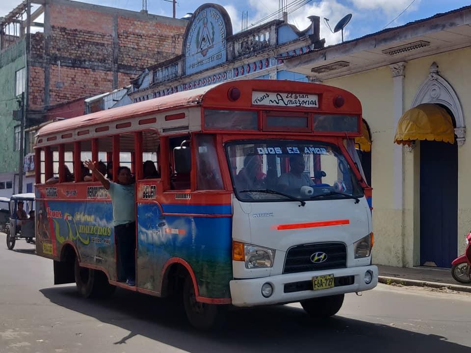 Uno dei tipici tram di Iquitos