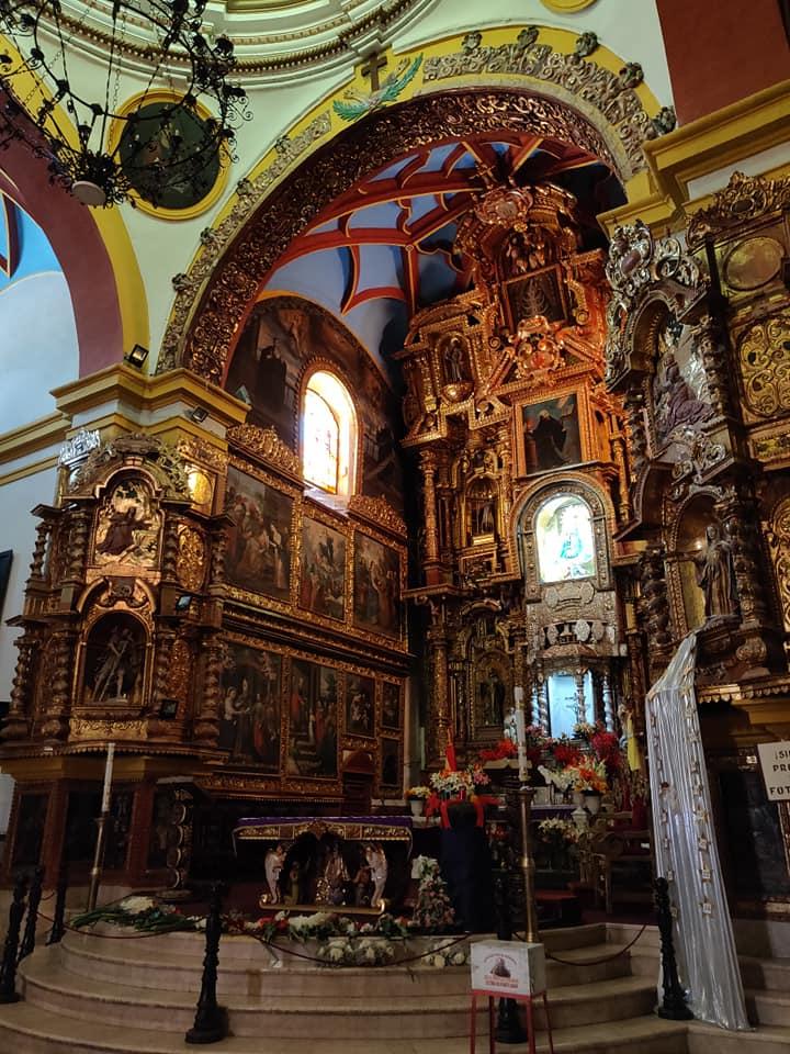 Il fastoso abside della cattedrale della vergine di Copacabana in stile moresco che dà il nome allla più celebre spiaggia di Rio De Janeiro
