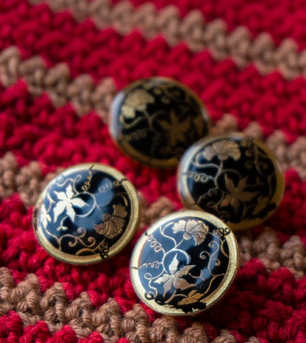 cushion-buttons-skacel-enamel