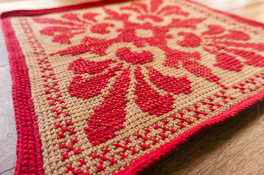 cushion-cover-crochet-lowangle-tunisian