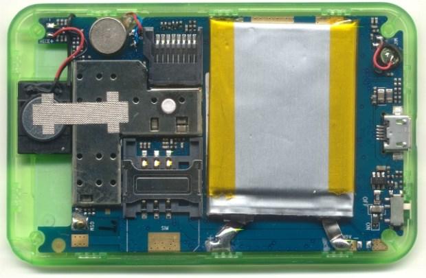 intérieur et composants  du mobile à 10 euros