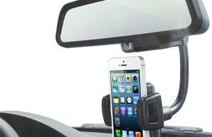 support voiture s'accroche au rétroviseur pour maintenir le smartphone ou GPS