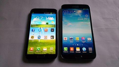 Galaxy S4 et Galaxy Mega (à droite)