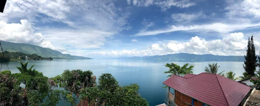Lake toba accommodation