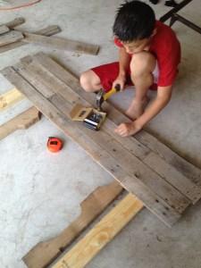 DIY: Pallet Headboard
