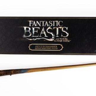 An image of Newt Scamader's Wand out of it's packaging
