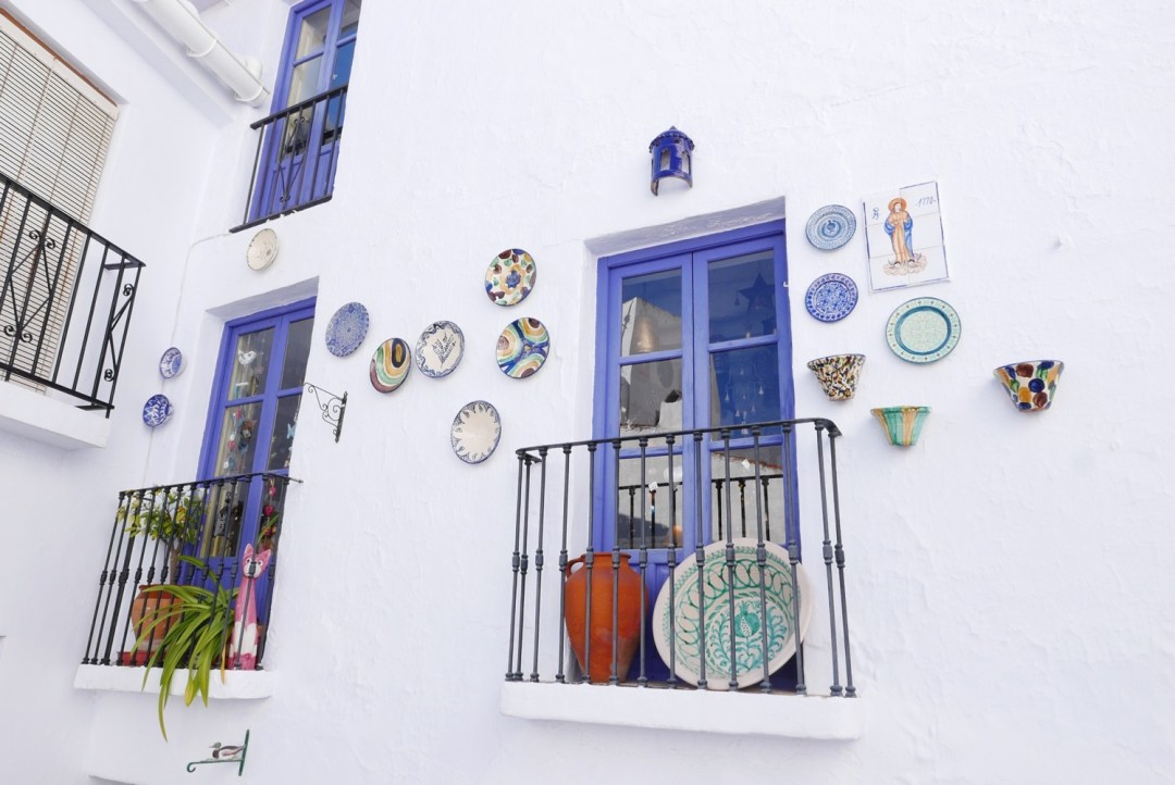 frigiliana-walls-plates
