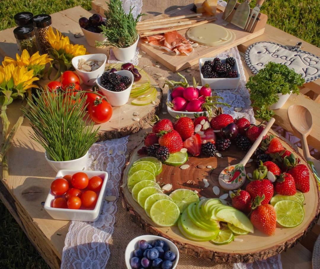 chic-picnic-food