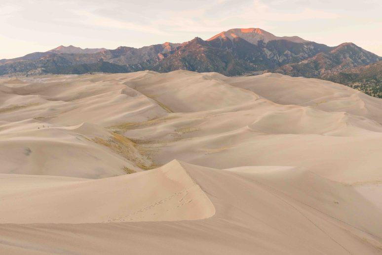 sand-dunes renee roaming