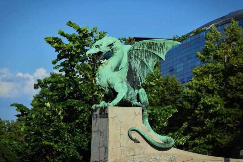 dragon-statue-slovenia