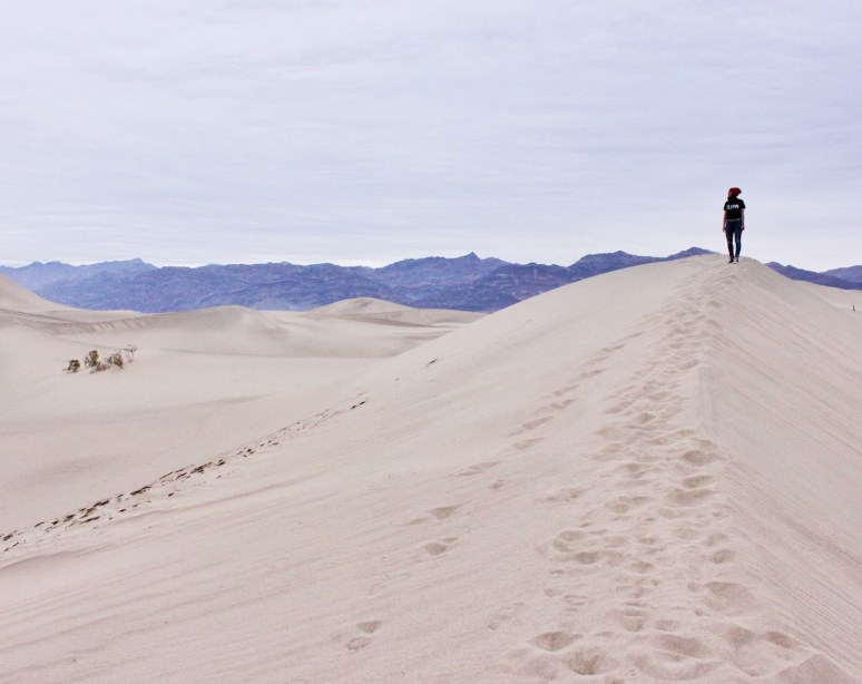 DEATH VALLEY CALIFORNIA/ A PHOTOGRAPHERS PARADISE Mesquite-Flat-Sand-Dunes-Death-Valley