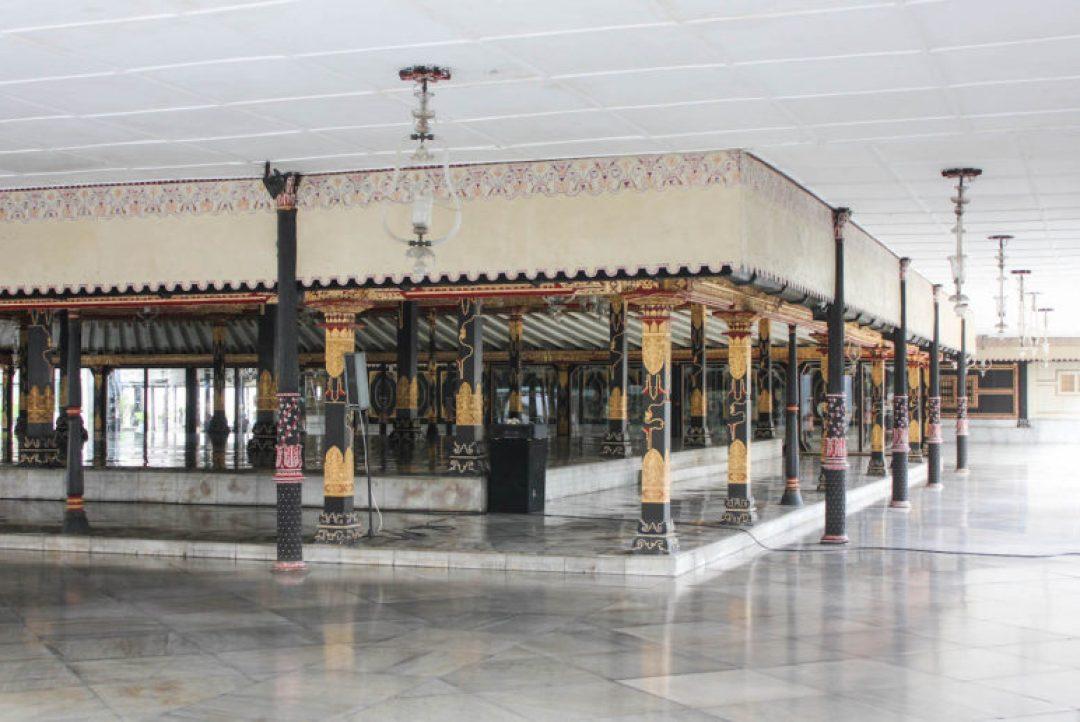 5 Places to see in Yogyakarta, Indonesia 8-Kraton-Yogyakarta-Indonesia