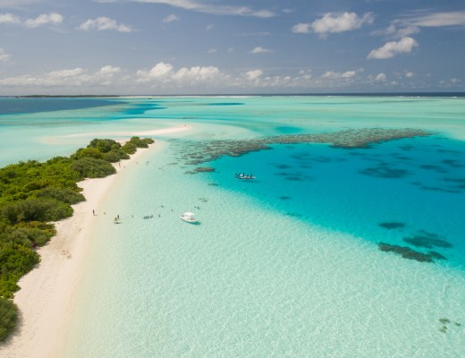 HOW TO VISIT THE MALDIVES ON A BUDGET
