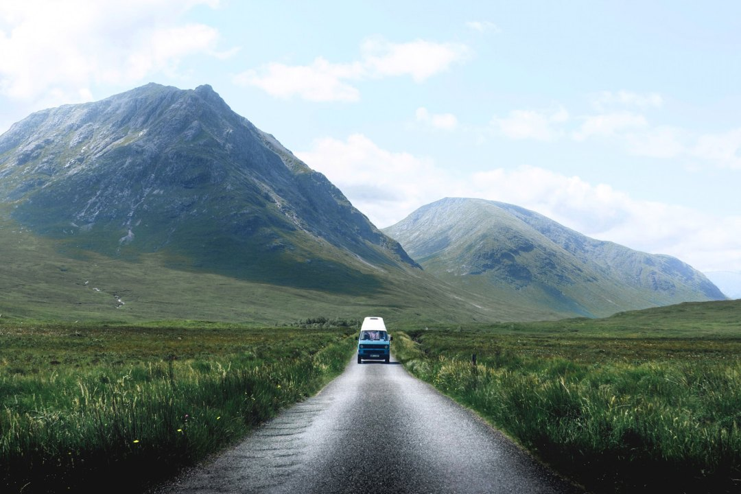 15 THINGS YOU NEED ON A CAMPERVAN ROAD TRIP
