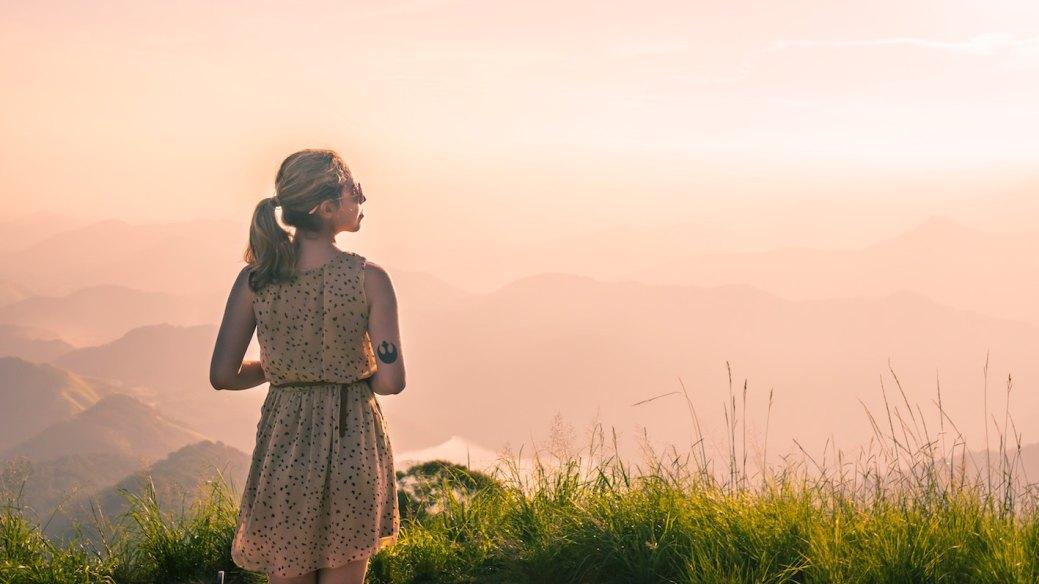 WHY EVERY GIRL SHOULD TRY TRAVELING SOLO