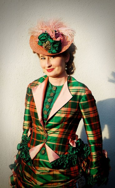 Finished Project: The 1870s Green Plaid Bustle Dress