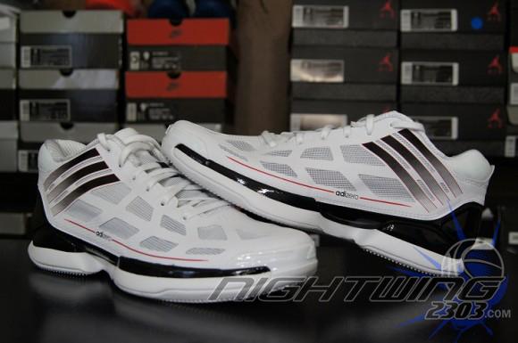 separation shoes f9df5 e14b8 First Impression  adidas adiZero Crazy Light Low