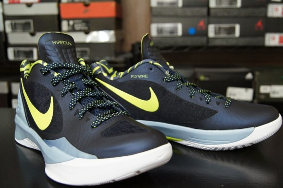 db465fb139ba First Impression  Nike Zoom Hyperdunk 2011 Low - WearTesters