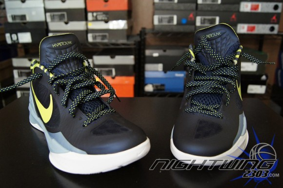 02f577a5bea2 Nike Zoom Hyperdunk 2011 Low Performance Review - WearTesters