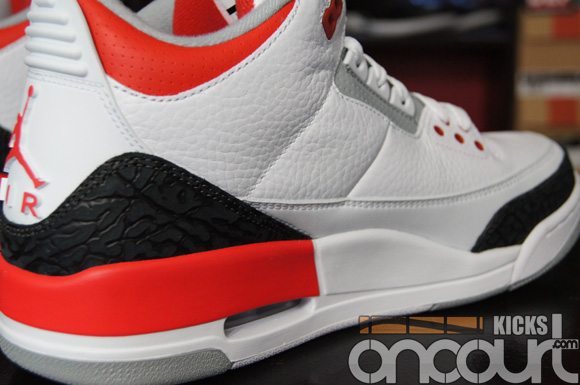 b03be28b409581 Air Jordan 3 Retro  Fire Red  - Detailed Look   Review 5 - WearTesters