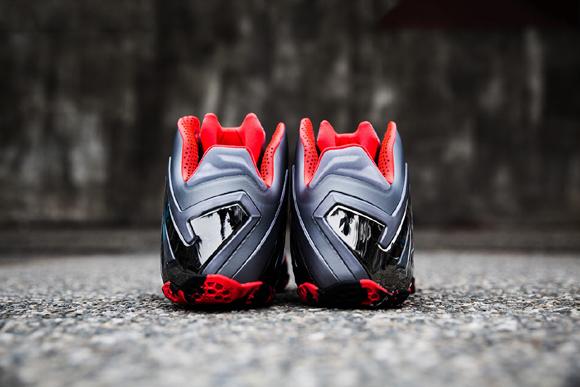 Nike LeBron 11 Elite Team - Up Close   Personal 5 - WearTesters f8ba496a2