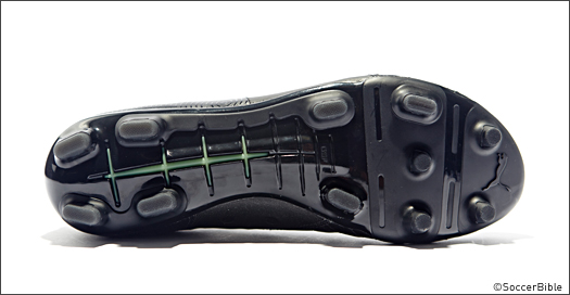 3773e898ab9b PUMA Releases  Blackout  evoPOWER 5. Images from SoccerBible