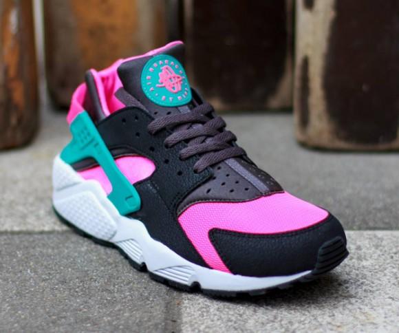 huge discount 675b8 8f005 First Look- Nike Air Huarache Hyper Pink Dusty Cactus 2