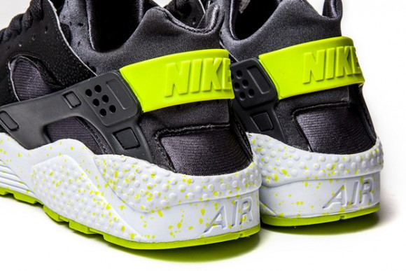 competitive price 4c9f6 a174c ... Nike Air Huarache Black Venom Green- New Images 3 ...