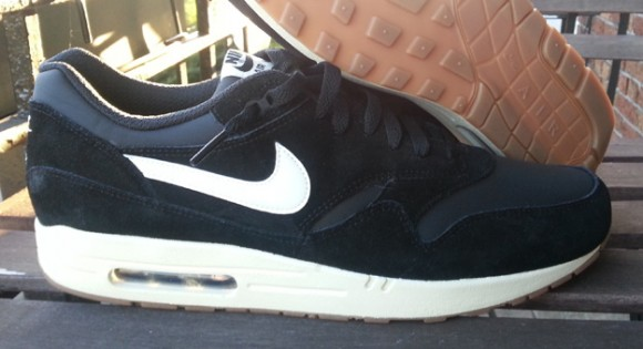 the best attitude 3d22c 6c03c Nike Air Max 1 Black Sail-Gum- First Look 3