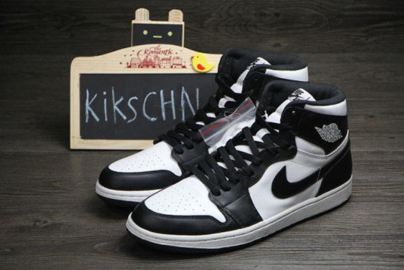 731a79ad4db548 Air Jordan 1 Retro High OG Black  White - Detailed Look - WearTesters
