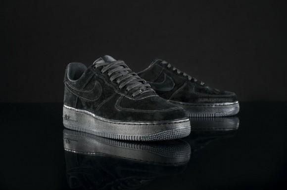 Nike Air Force 1  Triple Black  716fbaadb