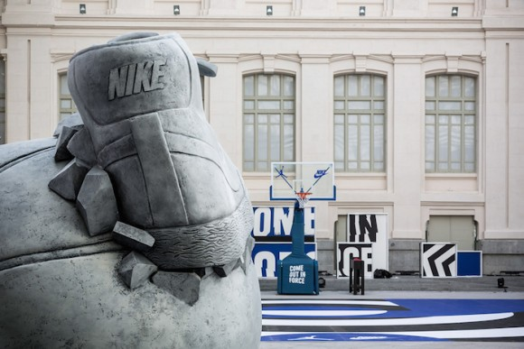 nike-sneakerball-sculpture-3
