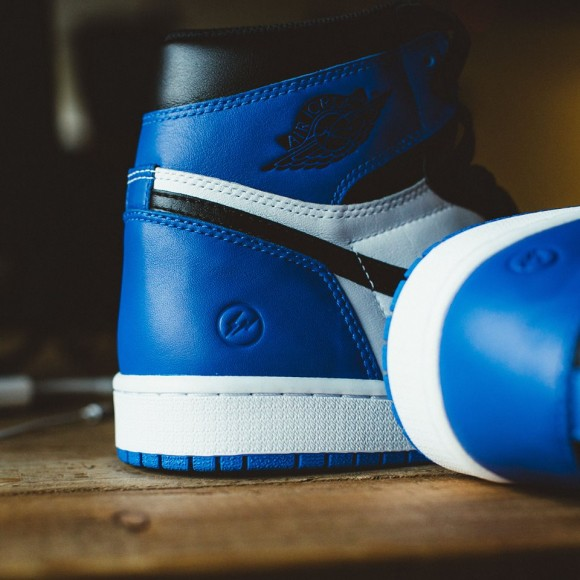 Air Jordan 1 x Fragment – Up Close & Personal
