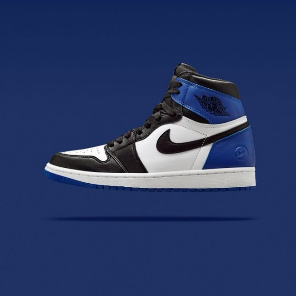 Air Jordan 1 x Fragment – Up Close & Personal3