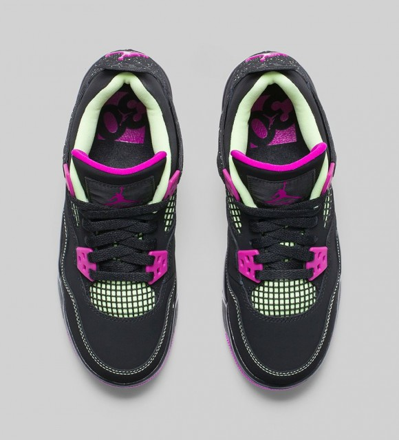 Air Jordan 4 Retro 'Fuchsia'3