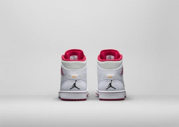 Air Jordan 1 Retro 'Hare' & 'Lola' - Official Look 3