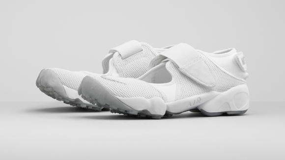 buy popular 8e07d 35676 Nike Re-Introduces The Air Rift 2 ...