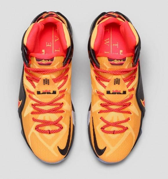 ff6bfc51e597b Nike LeBron 12  Witness  top view - WearTesters