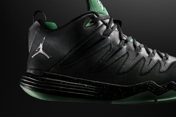 Jordan CP3.IX emerald up close