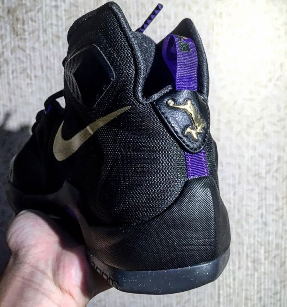 Nike LeBron 13 dunkman purple black