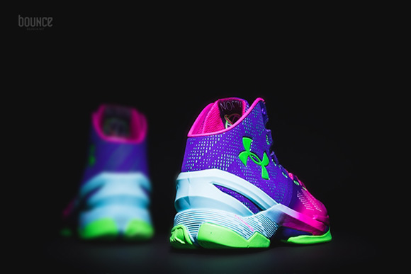 Get a Detailed Look at the Under Armour Curry 2 'Northern Lights' 3