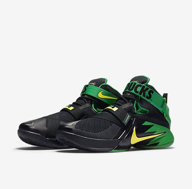 aa22a13729b44 Go Green in the Nike LeBron Soldier 9  Oregon Ducks PE  - WearTesters