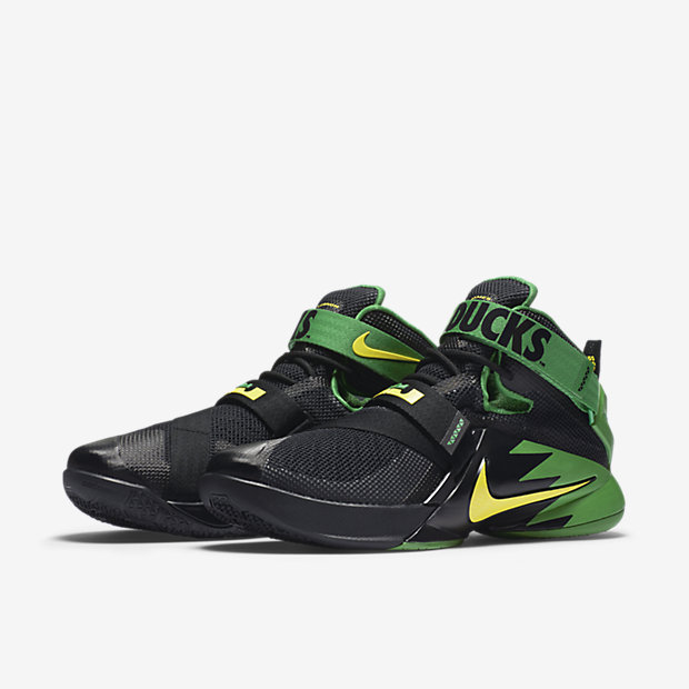 1dc2bdcc851 Go Green in the Nike LeBron Soldier 9  Oregon Ducks PE  - WearTesters