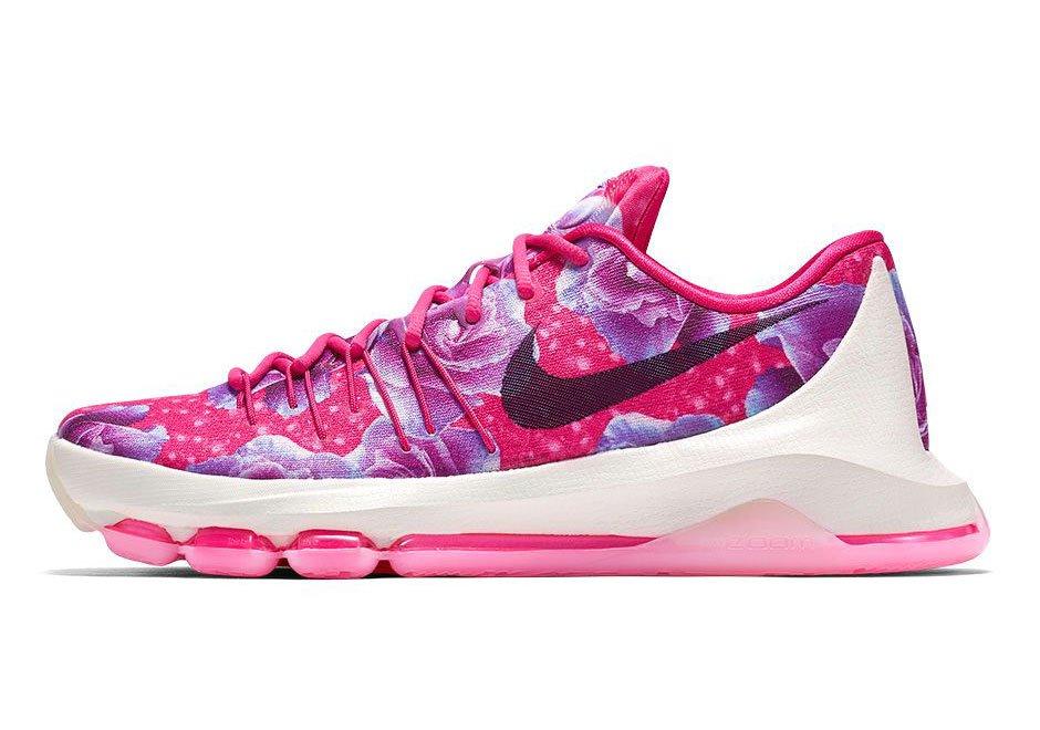 3f69ac33b33e9 The 'Aunt Pearl' series began… Basketball / Kicks On Court / Nike ...