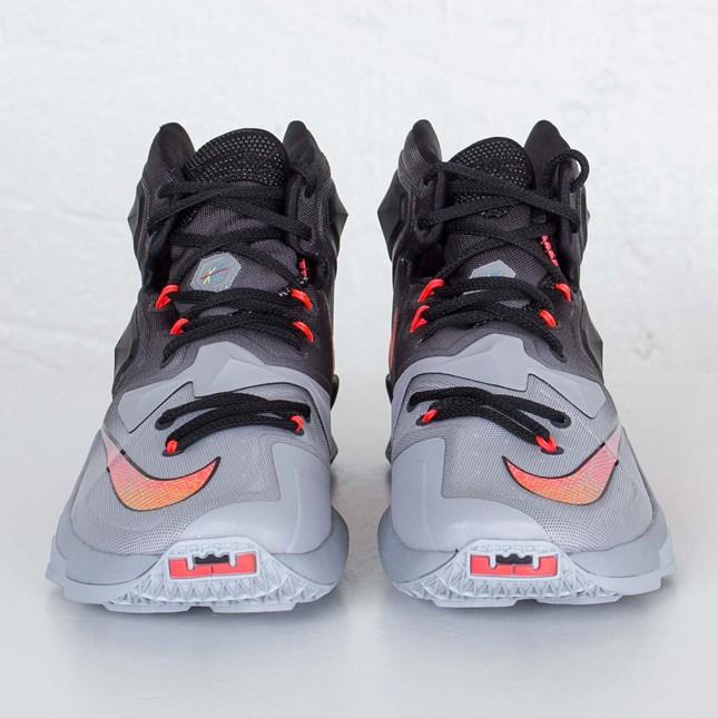 Nike LeBron 13 'On Court' toe