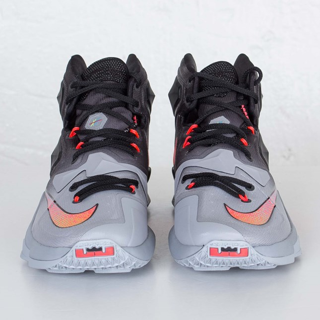 802b6a2f205 Nike LeBron 13  On Court  toe - WearTesters